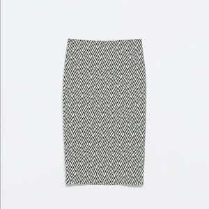 NWT Zara Black and White Geometric Pencil Skirt